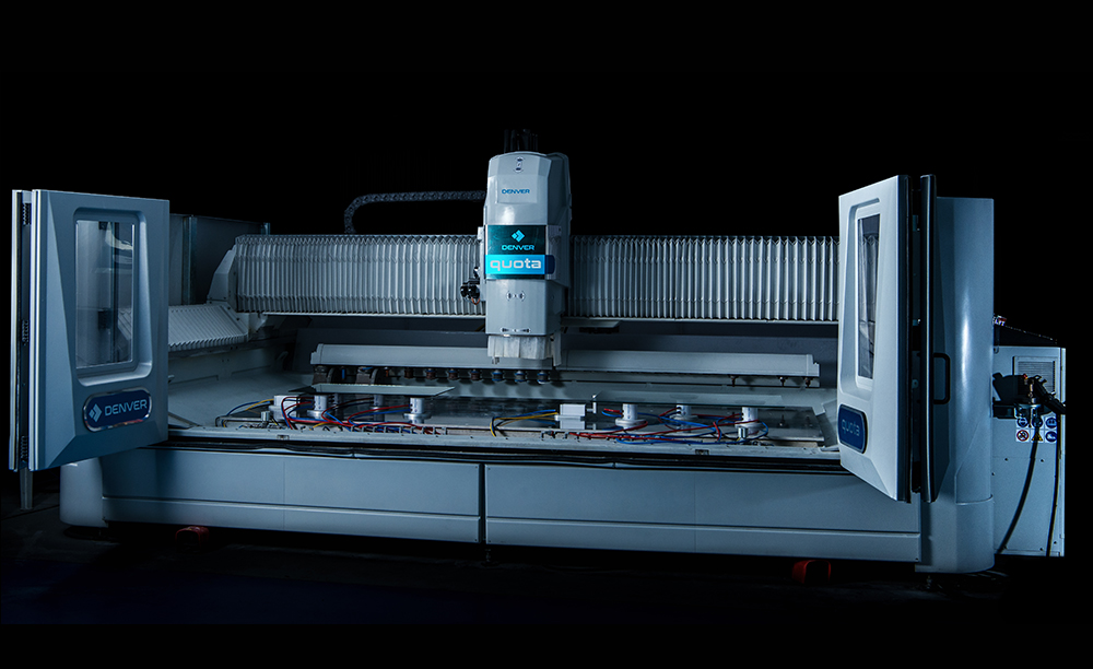 Centro di lavoro a controllo numerico vetro